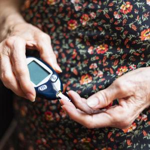 lady tracking glucose